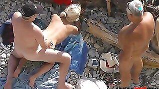 Nudist Mom Sucks Short Wiener Of Chubby Daddy On Beach
