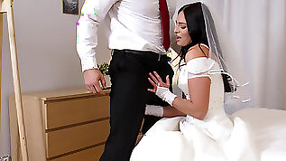 Leane Lace alternated between rimming and sucking big manhood