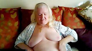 Grandma Spreading Hot old vag clip