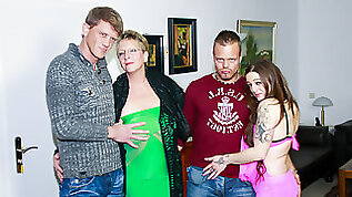 AMATEUR Swinger German Foursome With Granny