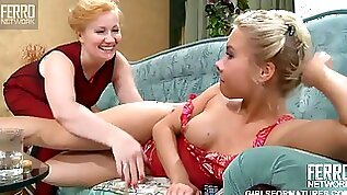 Double dildo lesbian fuck with a mom and her step daughter