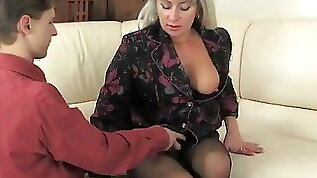 Russian mature beauty nylons