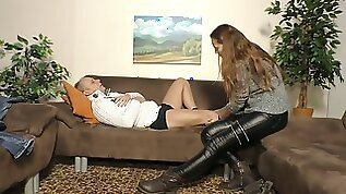 Ordinary whore with ugly saggy tits gets banged doggy style