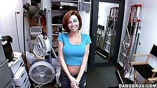 Amazing mature slut sucks and fucks in the gym
