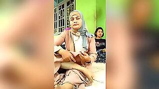 Stellar mother Hijab soles!